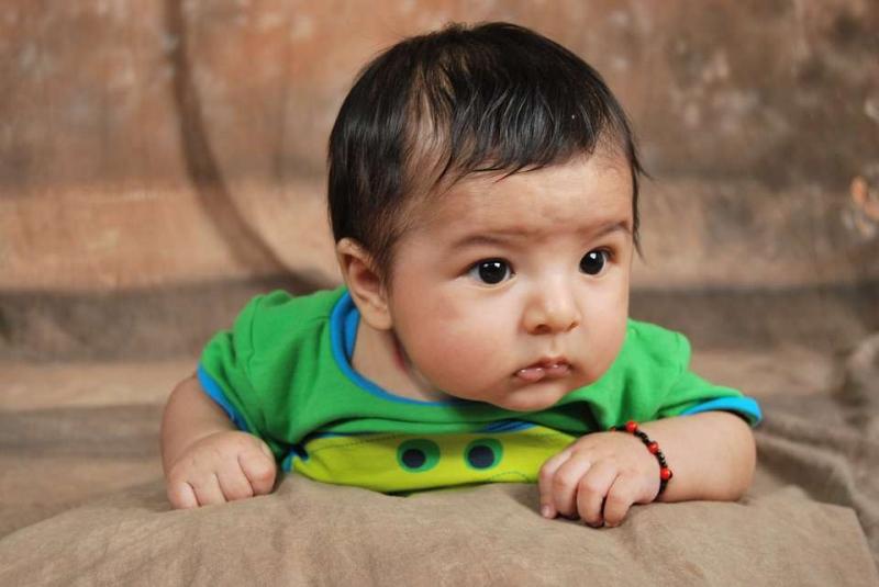 宝宝受凉打喷嚏流鼻涕怎么办宝宝受凉打喷嚏流鼻涕有哪些预防措施