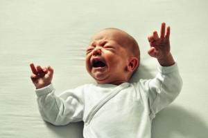宝宝一拉屎就哭是怎么回事宝宝大便干燥怎么办