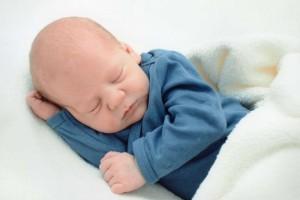 新生儿感觉有痰怎么办新生儿喉咙有痰有哪些危害